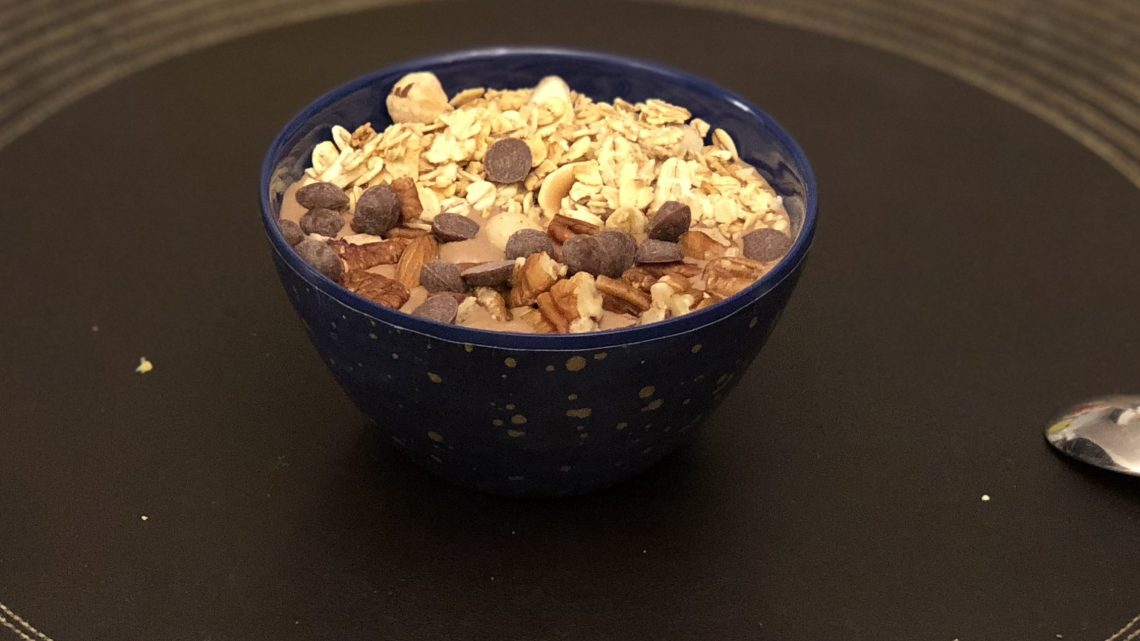 Chocolate nut smoothie bowl